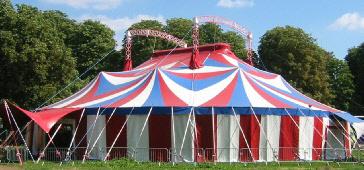 location de chapiteaux de cirque et tentes de r ception pour vos v nements. Black Bedroom Furniture Sets. Home Design Ideas